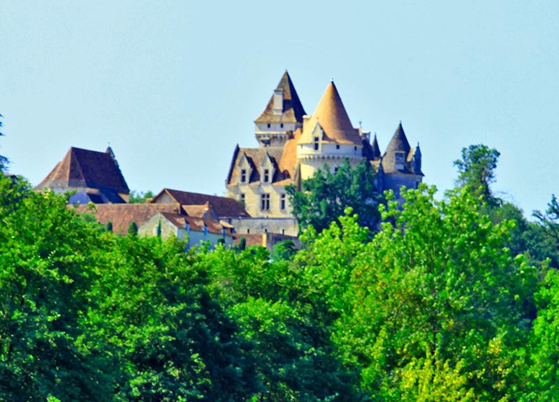 Canoës Vacances La Roque Gageac Louer un canoë ou un kayak pour découvrir la rivière Dordogne et ses châteaux